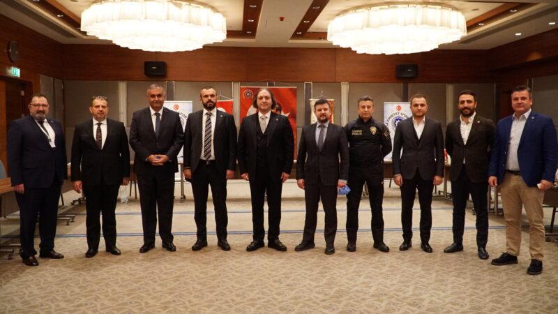 Bursa Emniyet Spor Kulübü Derneği'nin 32. Olağan Genel Kurulu'nda Erkan Yılmaz başkan seçildi.