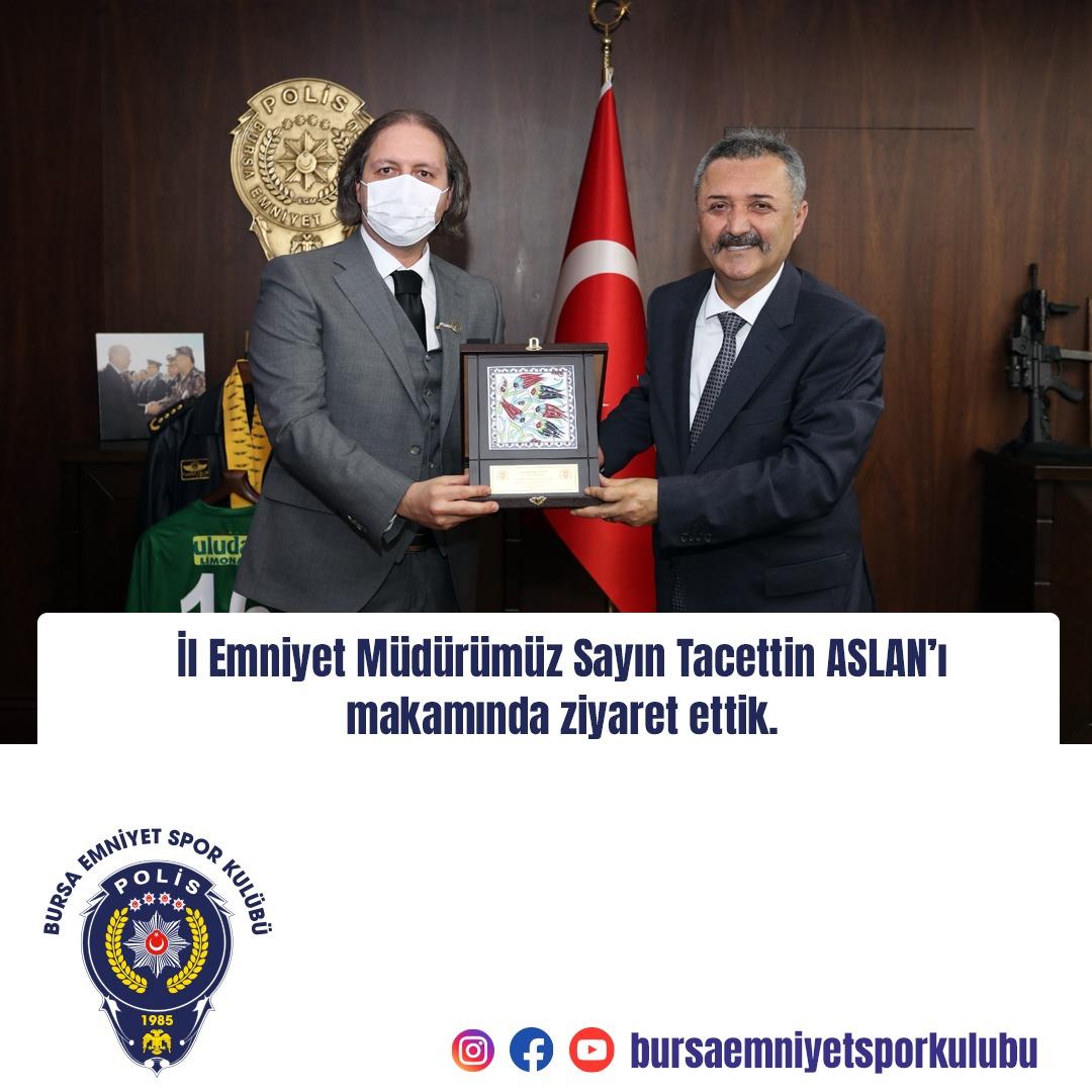 Bursa Emniyet Spor Kulübü Başkanı Erkan Yılmaz, yönetim kurulu üyeleriyle birlikte İl Emniyet Müdürü Tacettin Aslan'ı makamında ziyaret etti.