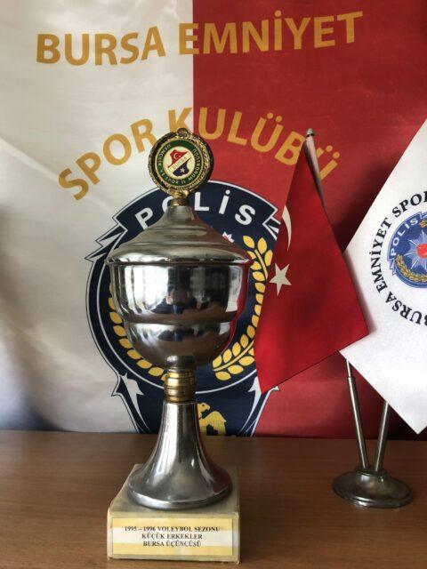 1995-1996 Voleybol Sezonu Küçük Erkekler Bursa Üçüncüsü