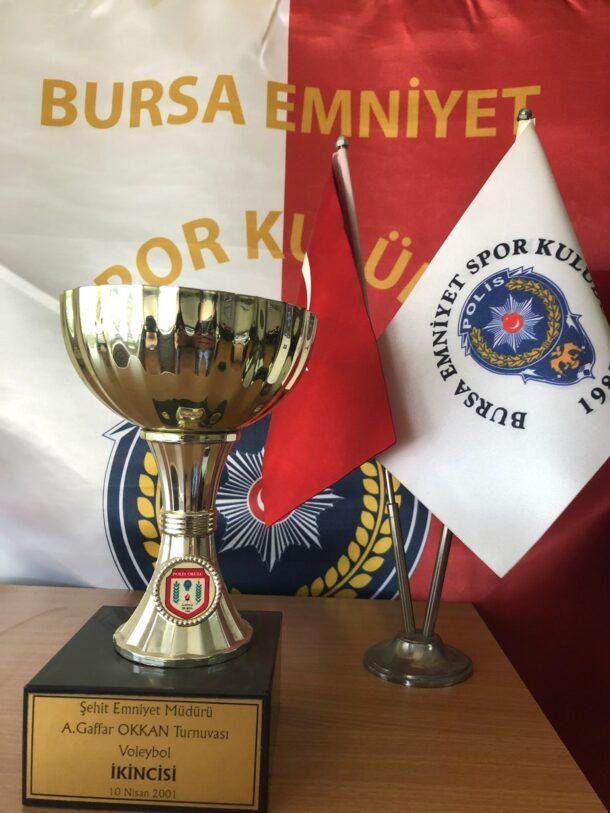 Şehit Emniyet Müdürü A. Gaffar Okkan Turnuvası Voleybol İkincisi 2001