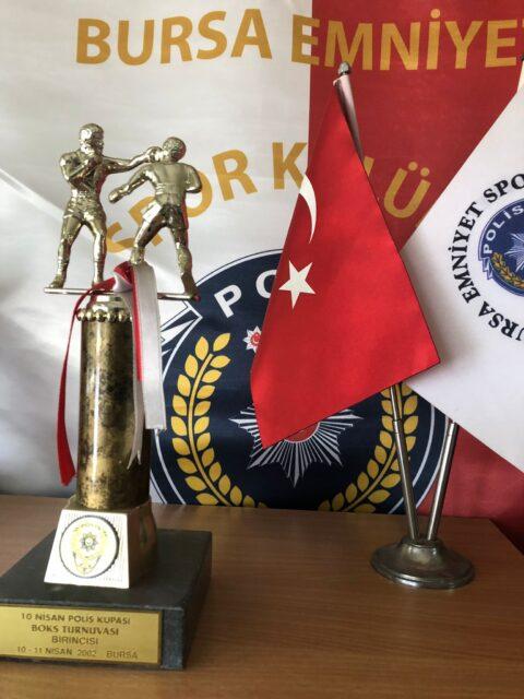 10 Nisan Polis Kupası Boks Turnuvası Birincisi – 2002 Bursa