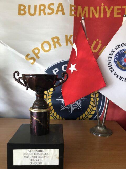 Voleybol Küçük Erkekler 2003-2004 Sezonu Bursa İl Üçüncüsü